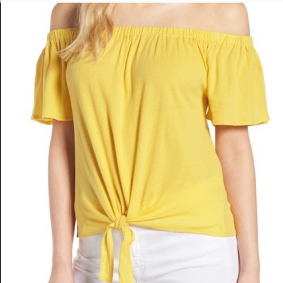 cupcakes & cashmere Tops - NWT Cupcakes and Cashmere Kathie Off Shoulder Top